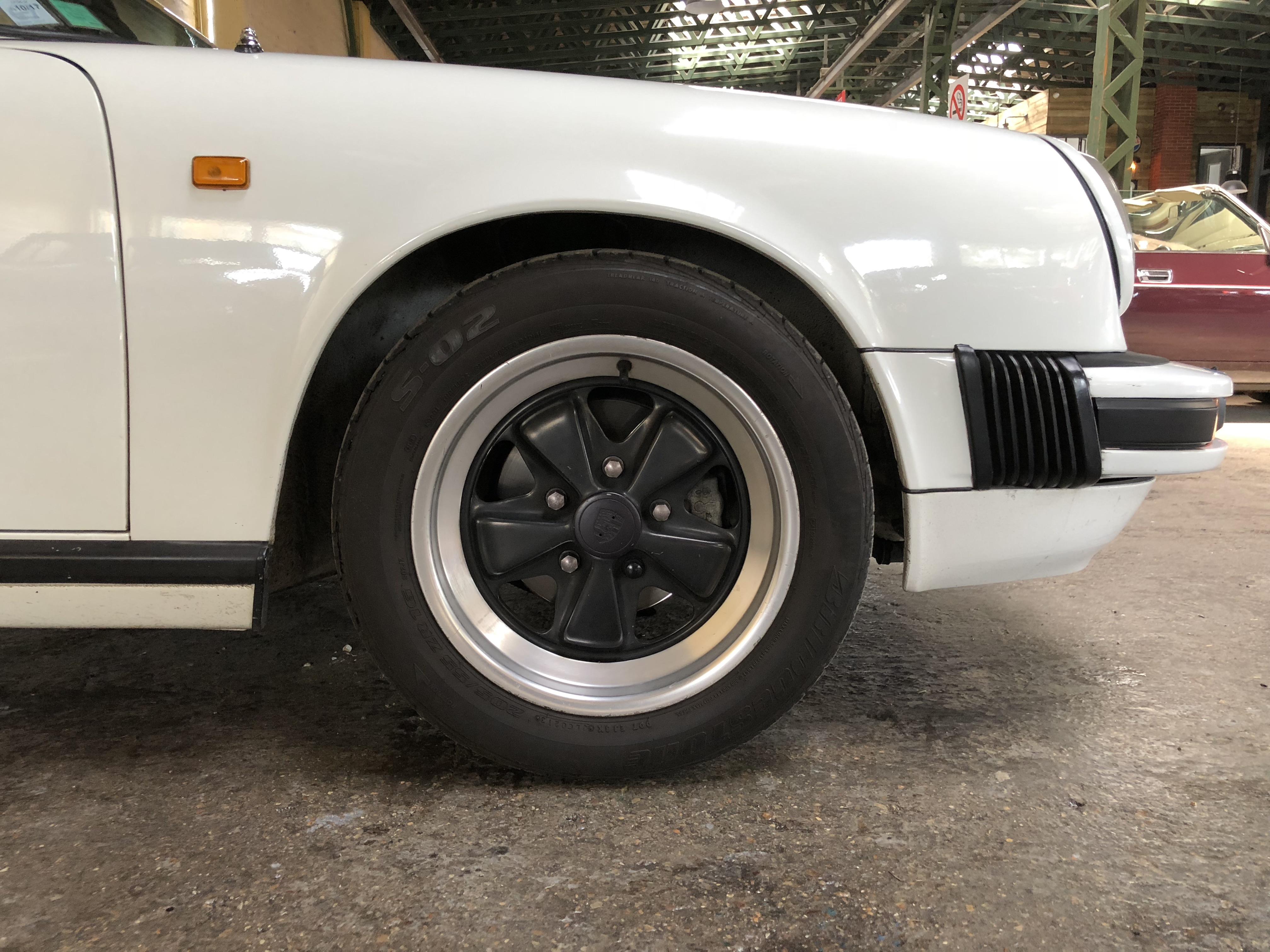 Porsche 911 3.0SC Cabriolet