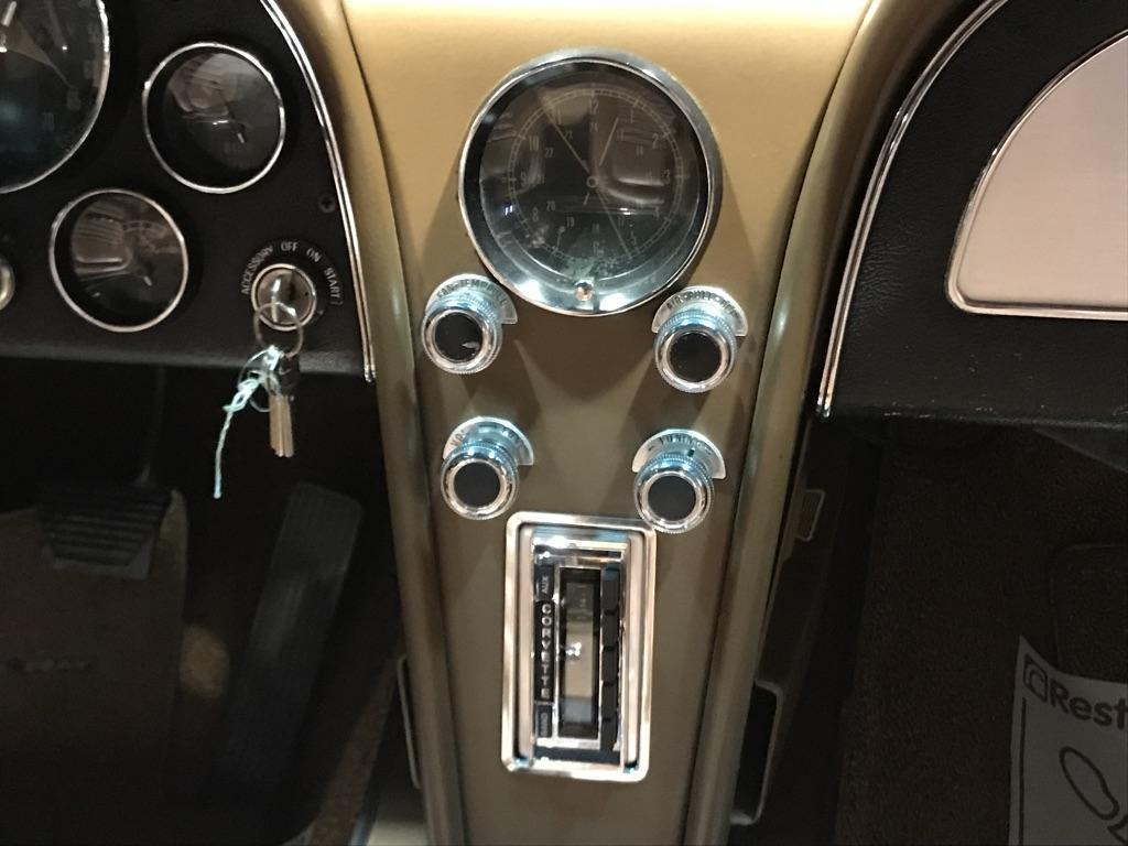 Chevrolet Corvette C2 Stingray Convertible V8 327ci