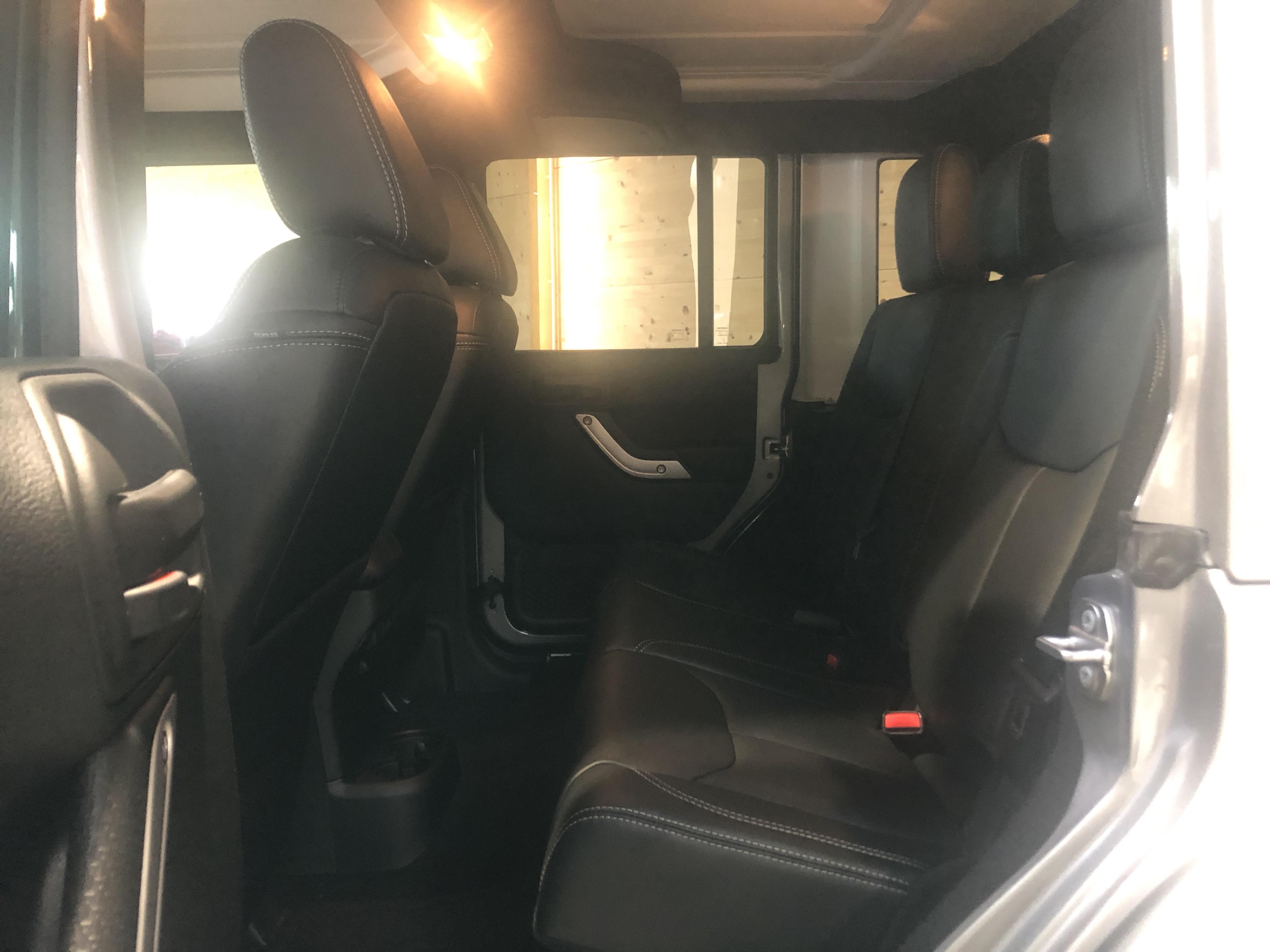 Jeep Wrangler Unlimited V6 3.6 Sahara BVA
