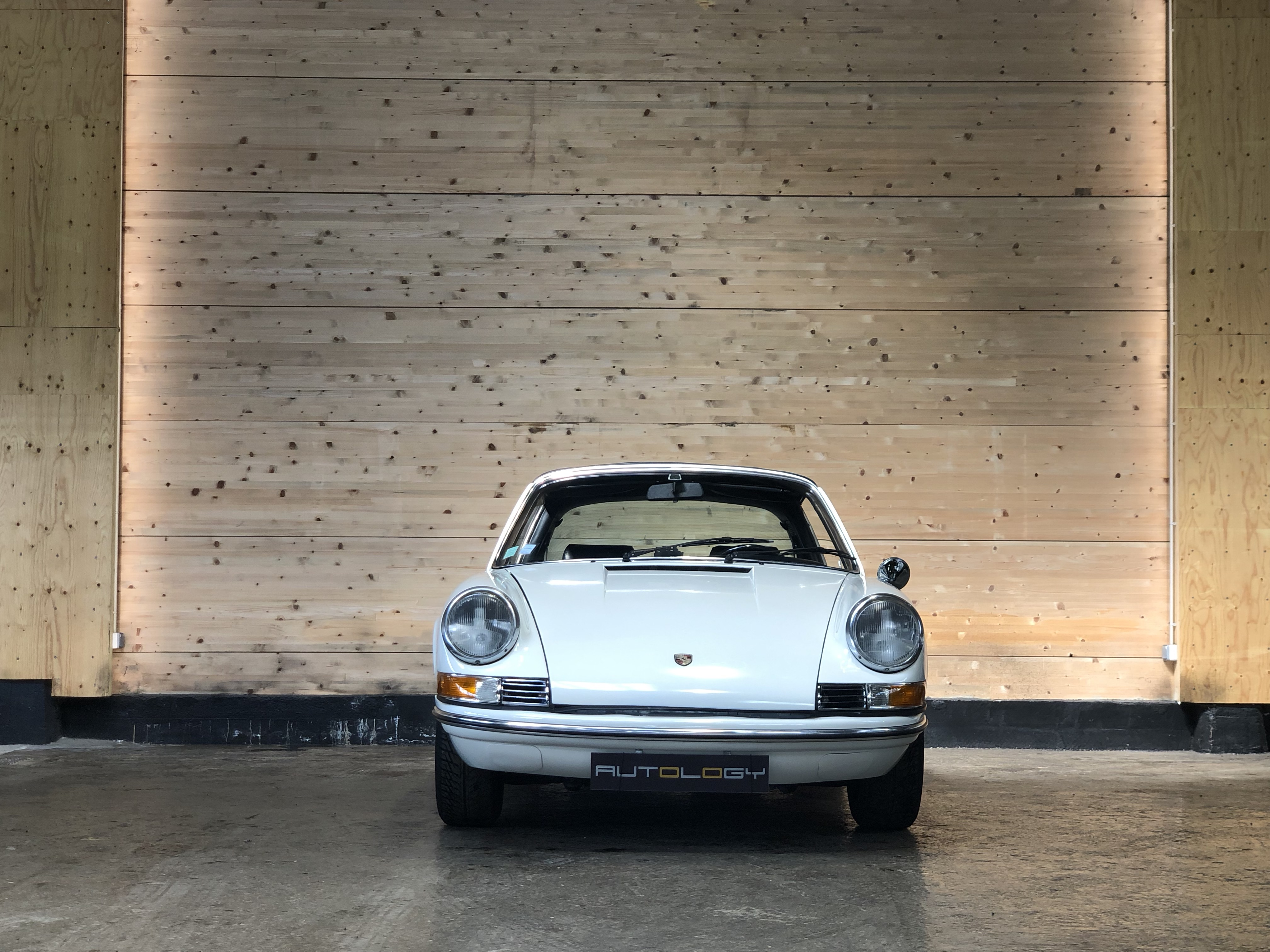 Porsche 911 2.2T Targa