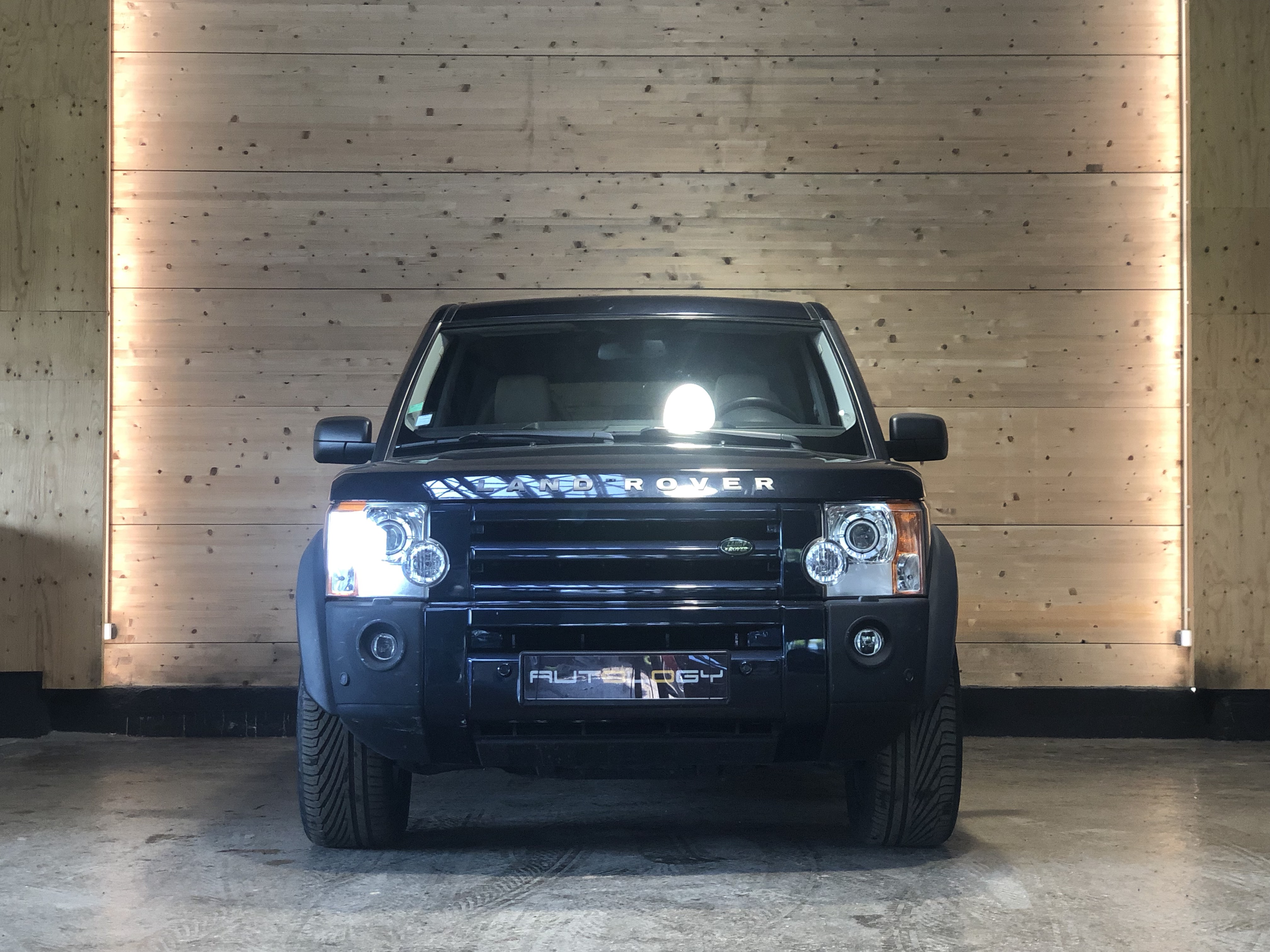 Land Rover Discovery V8 4.4 HSE 7 places