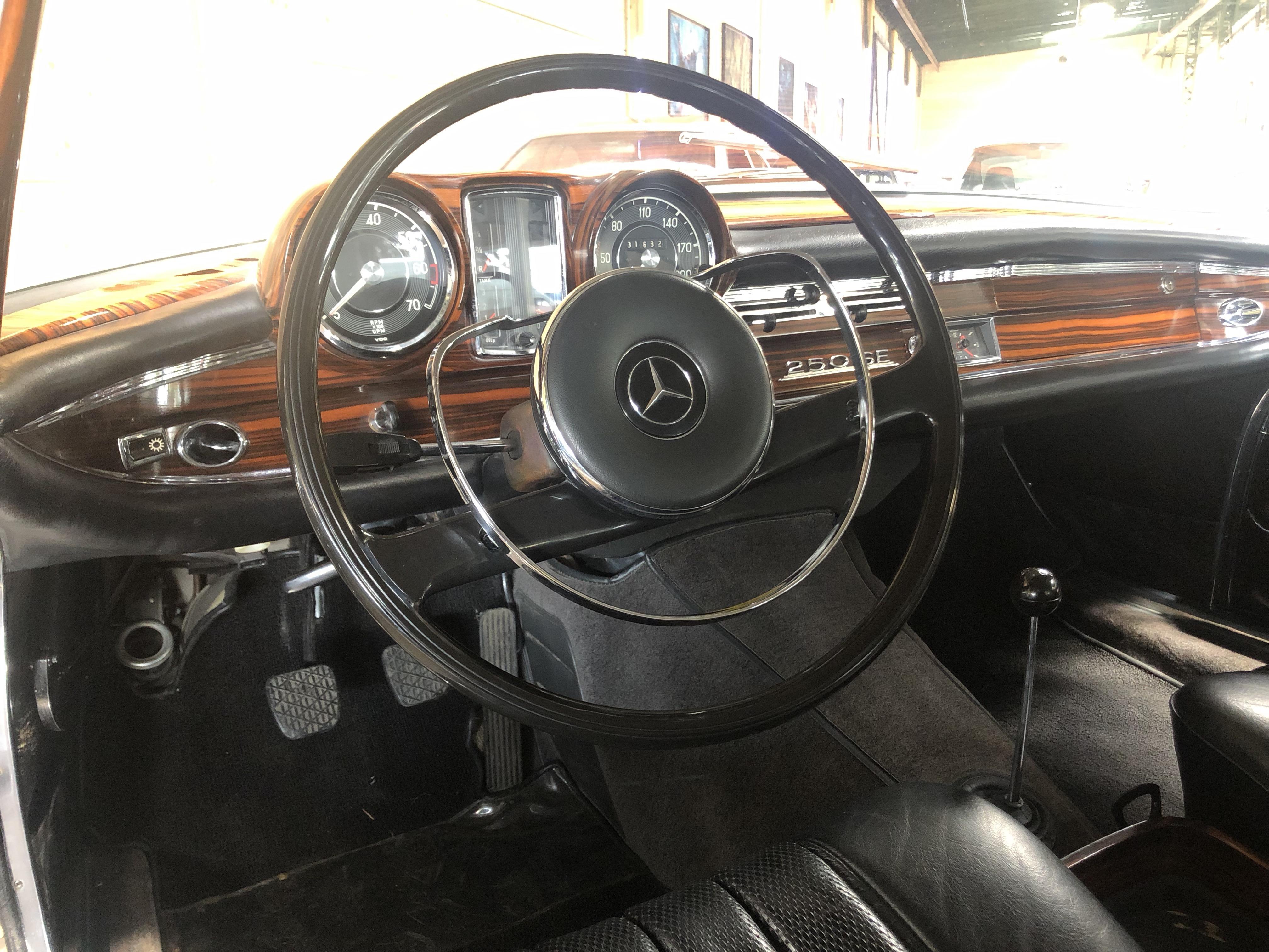 Mercedes 250 SE Coupé