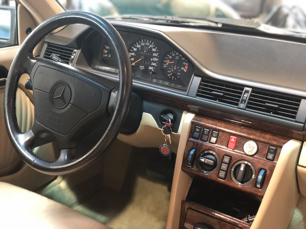 Mercedes 300TE-24 BVA