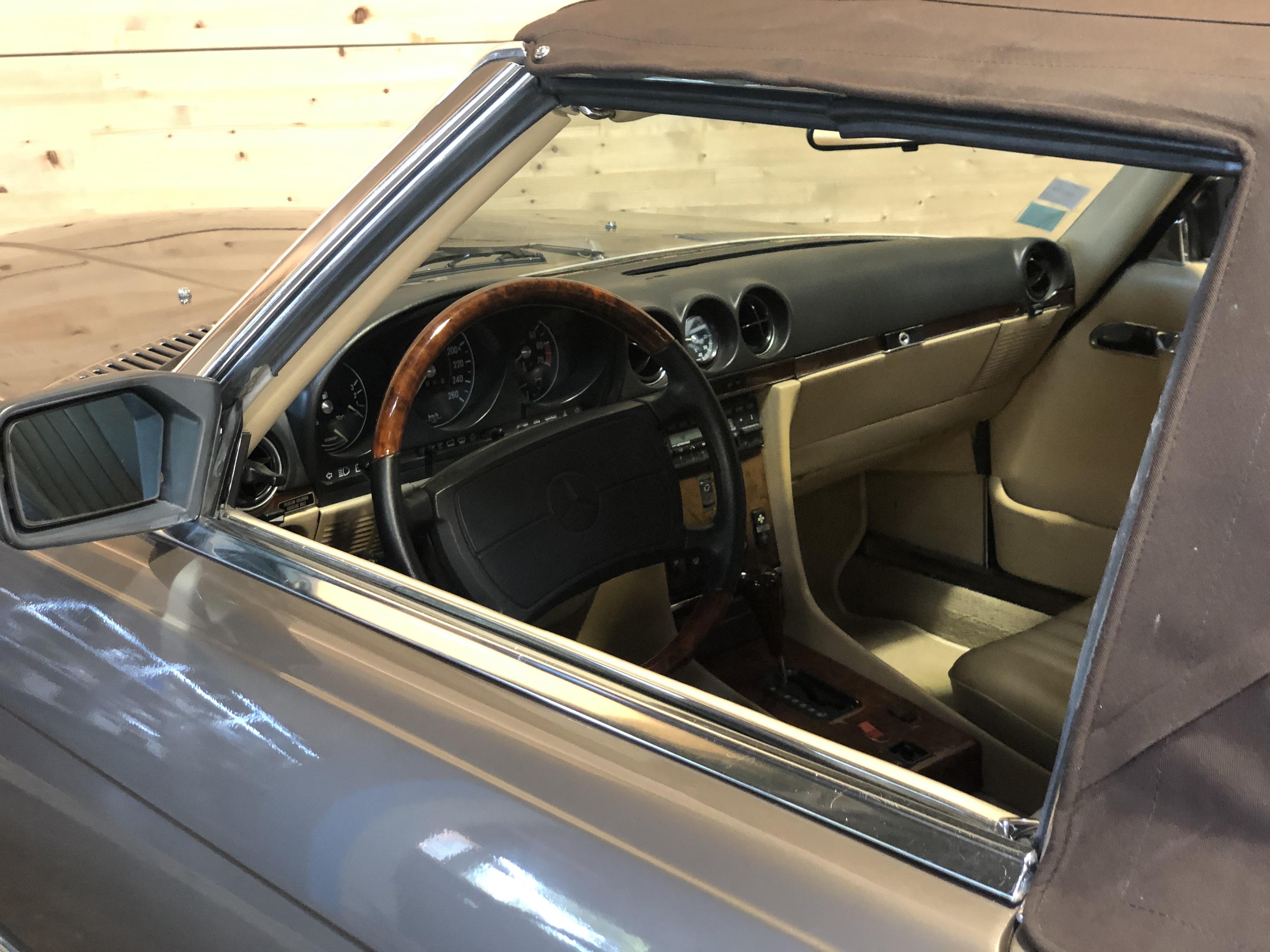 Mercedes 560 SL BVA