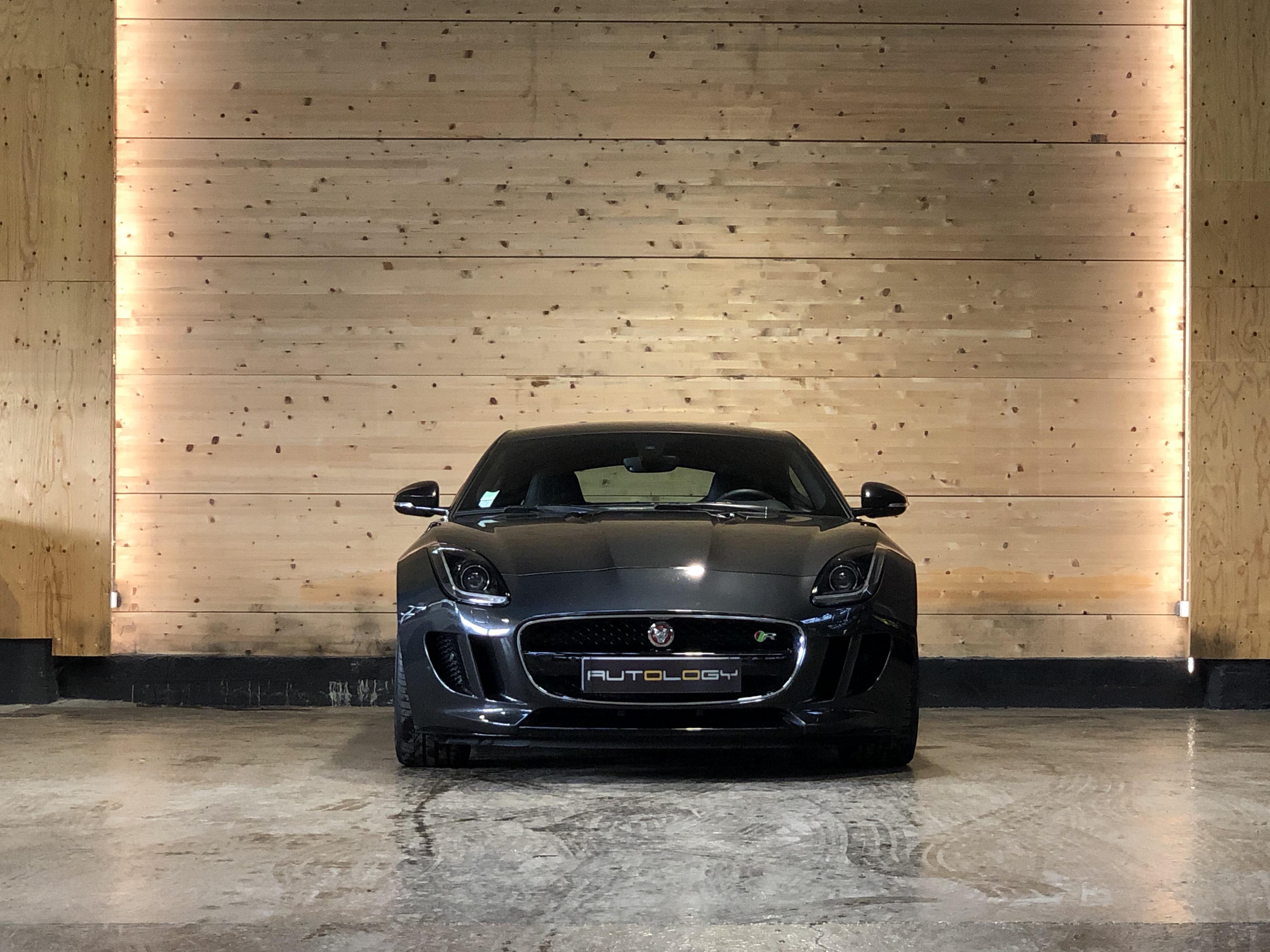 Jaguar F-Type V8 R