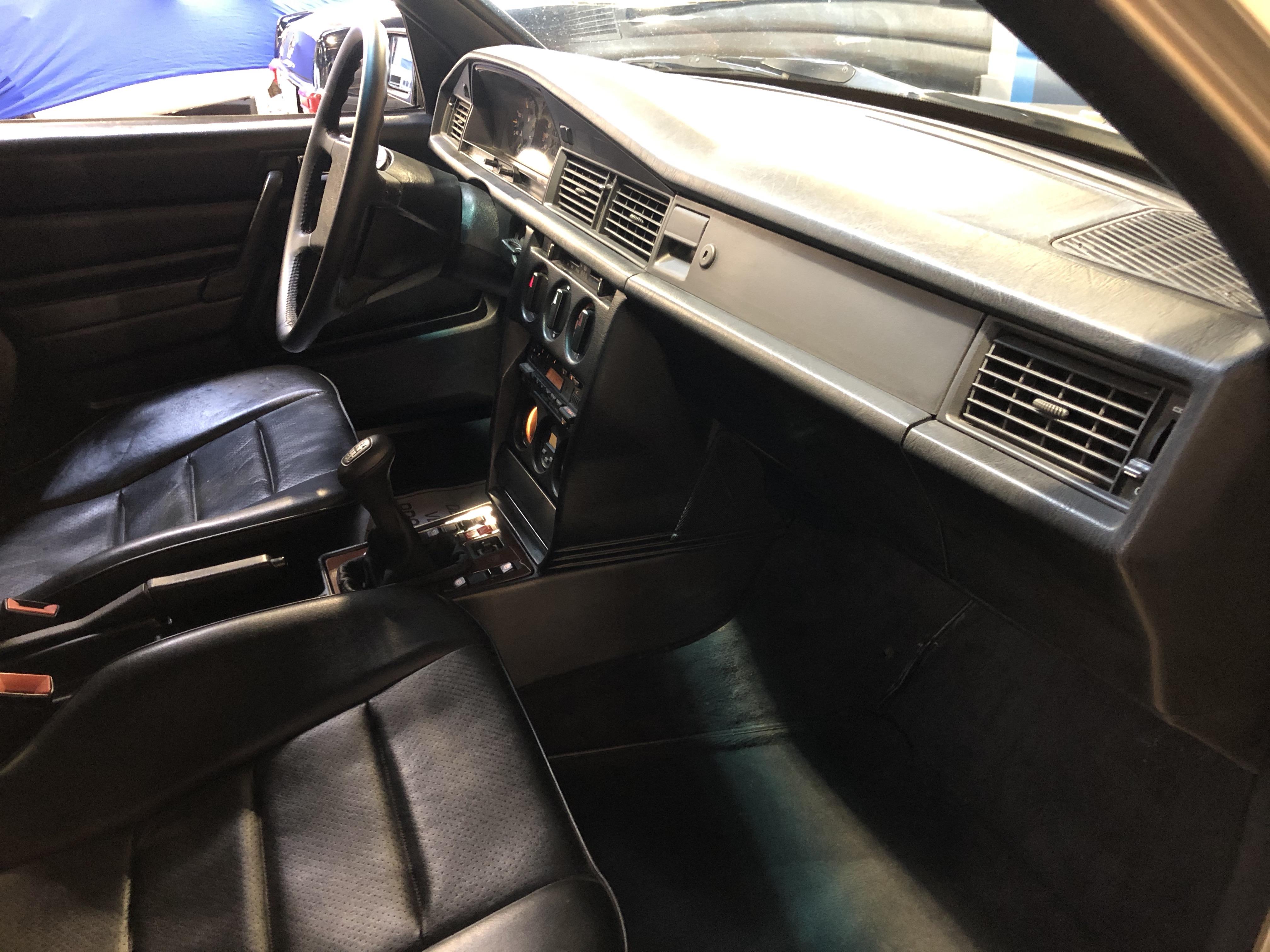 Mercedes 190 E 2.3-16