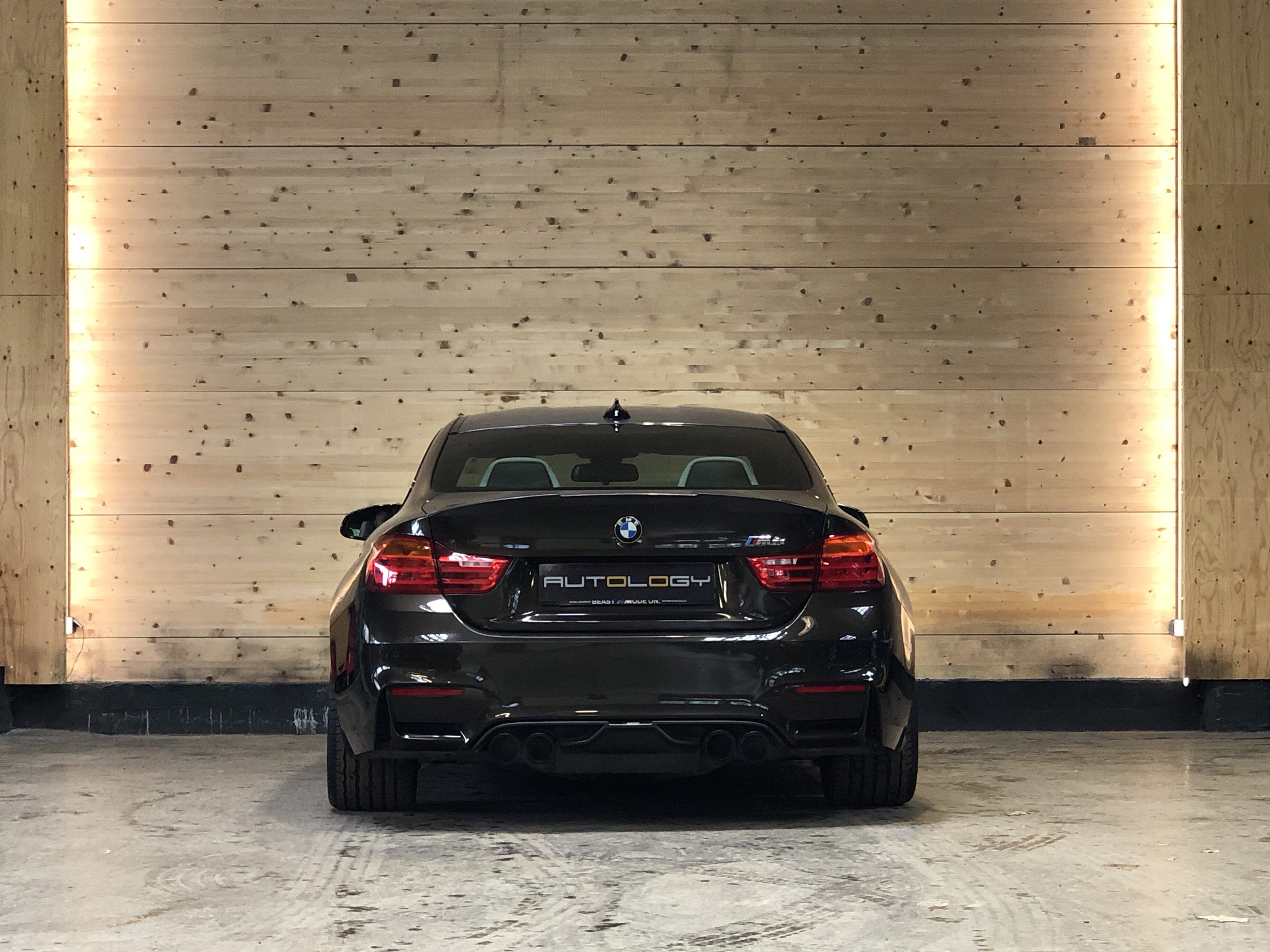 BMW M4 Coupe DKG7