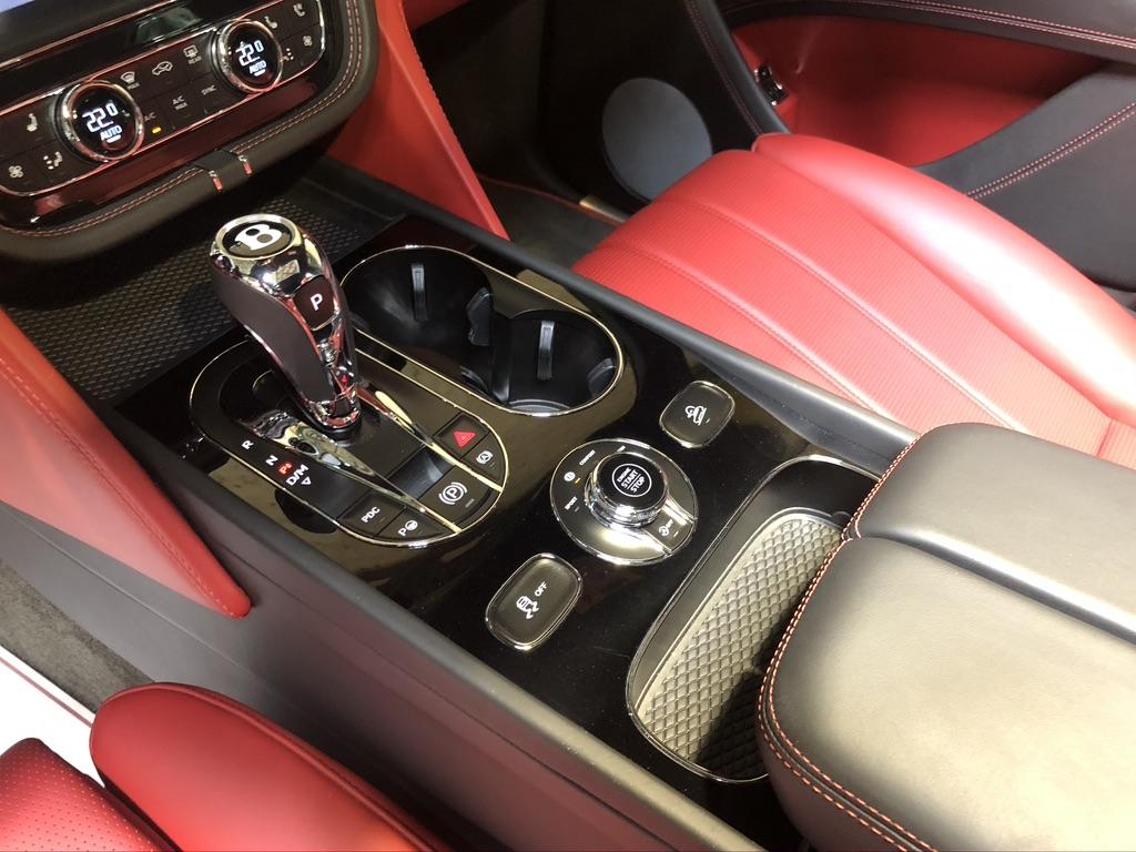 Bentley Bentayga V8