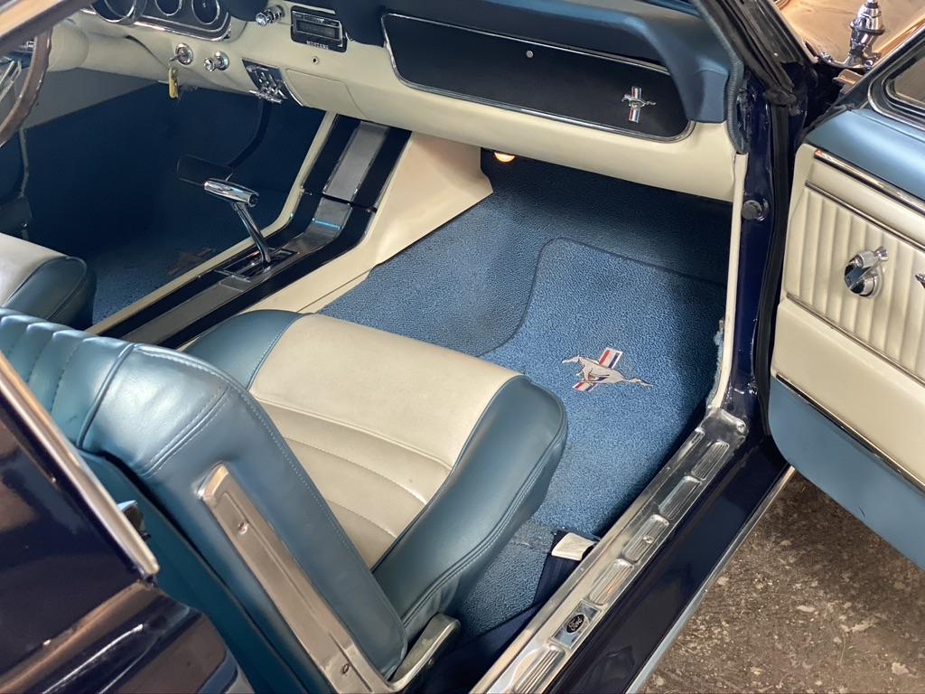 Ford Mustang Fastback V8 289 BVA