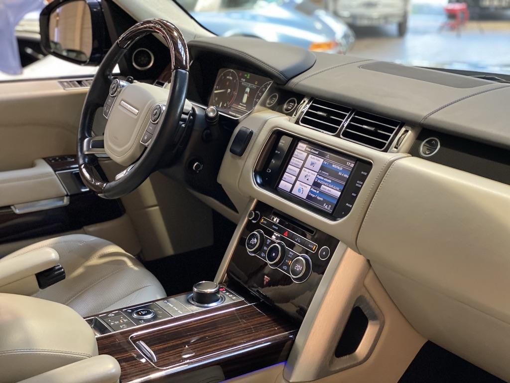 Land Rover Range Rover 4.4 SdV8 Autobiography