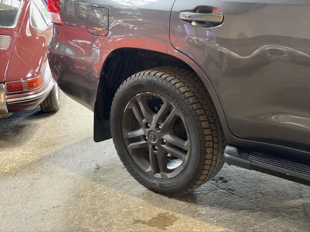 Toyota Land Cruiser Station Wagon 4.5 V8 D4-D Lounge