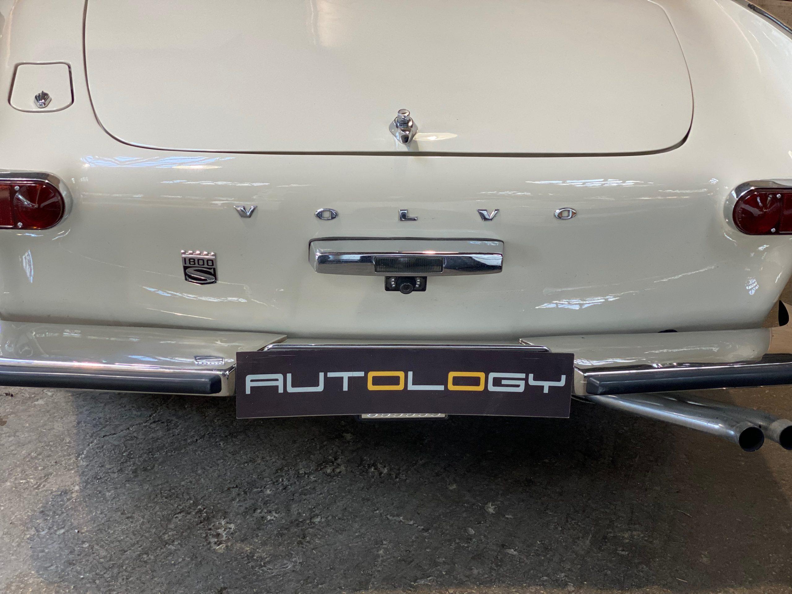 Volvo P1800S