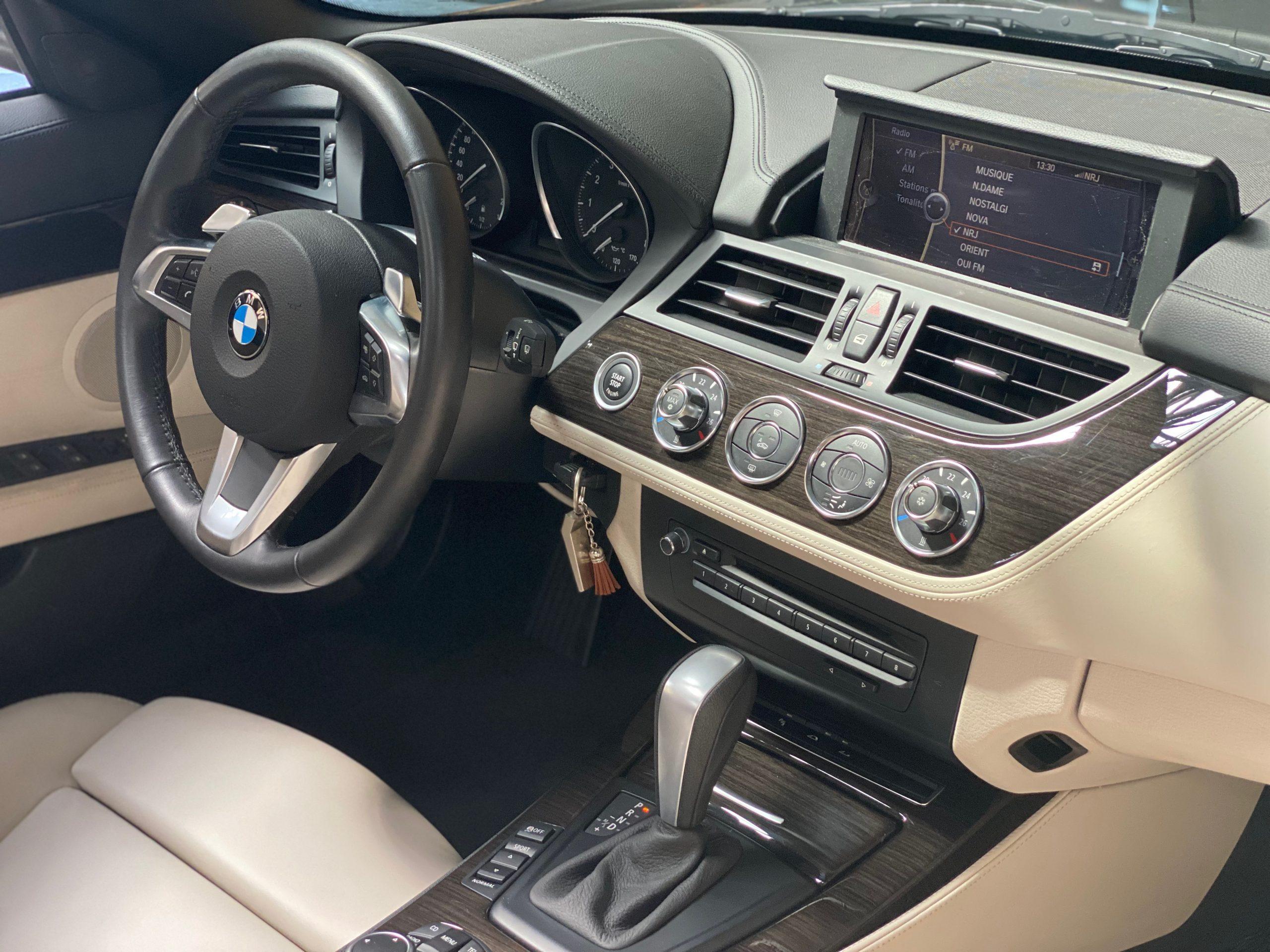 BMW Z4 sDrive 3.0iA Luxe Roadster